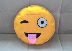 Keçe Dil Çıkaran Emoji Yastık