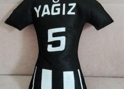Keçe Forma Beşiktaş Takı Yastığı