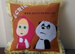 Keçe İşlemeli Maşa ile Panda Yastık