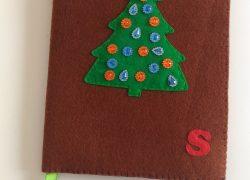 Keçe Boncuklu Yılbaşı Ağacı Kitap Kılıfı