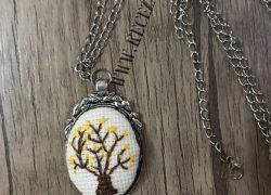 Kanaviçe Ağaç Kolye
